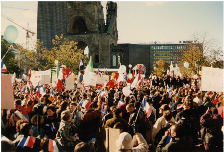 Berlin 1997 Scientology protest