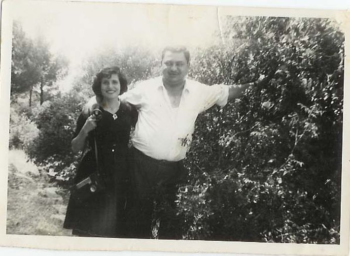 Isa's mother and father in an old black and white photo